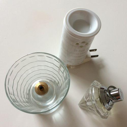 香水、アロマランプ