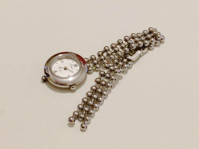 壊れた腕時計
