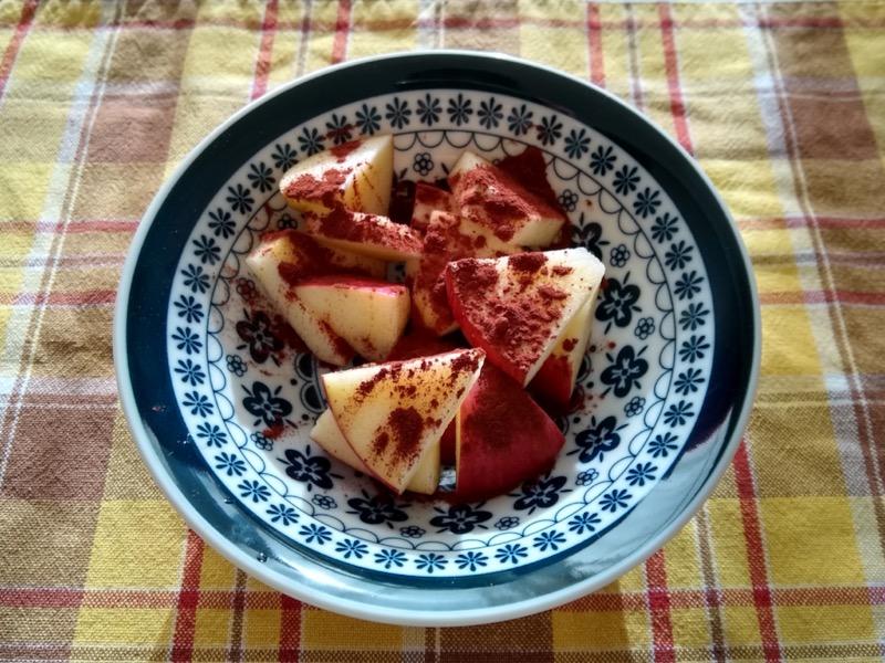 りんごのココアパウダーがけ